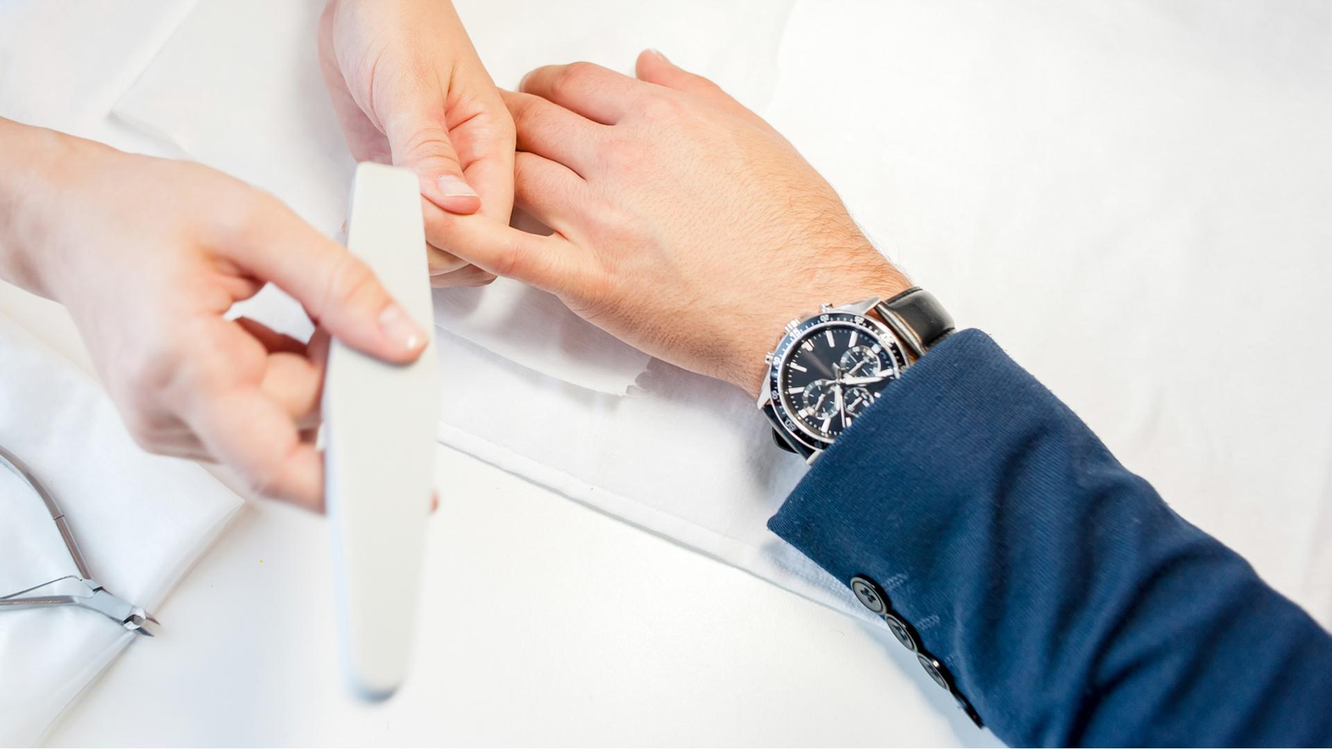 homens também precisam de manicure